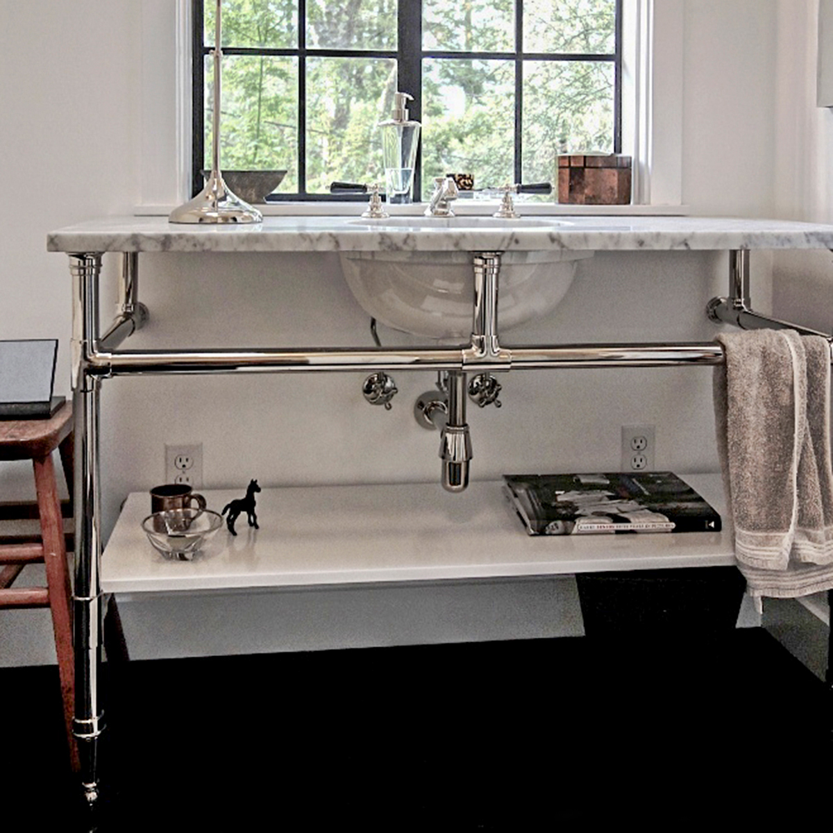 1115 Flush Style Vintage Bathroom