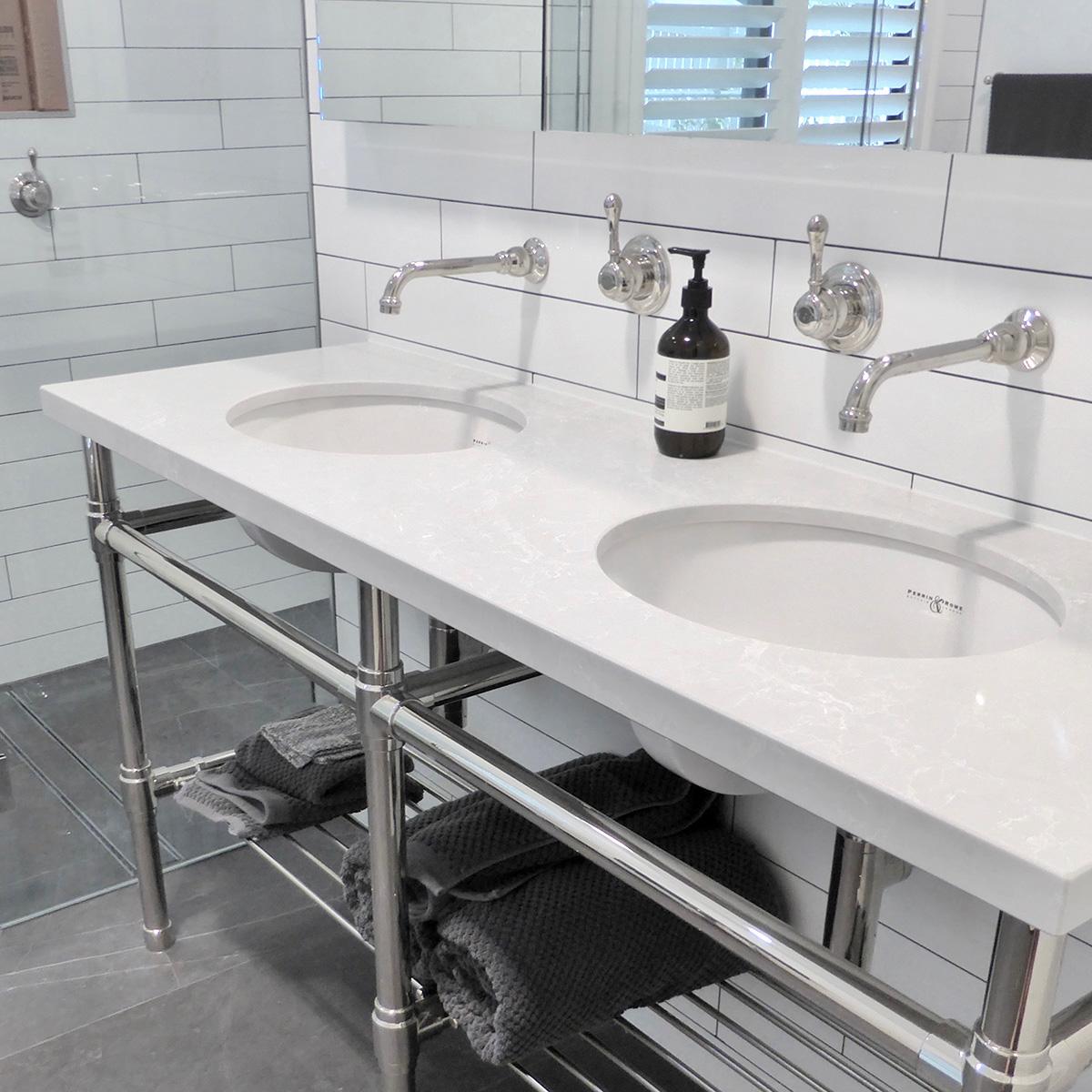 1155-Studio three leg with two sinks