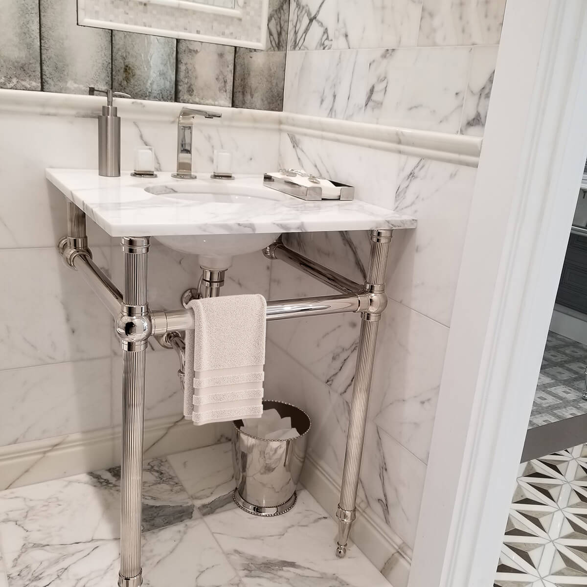 1281-Atristic Tile LS2T Reeded in Marble Bath
